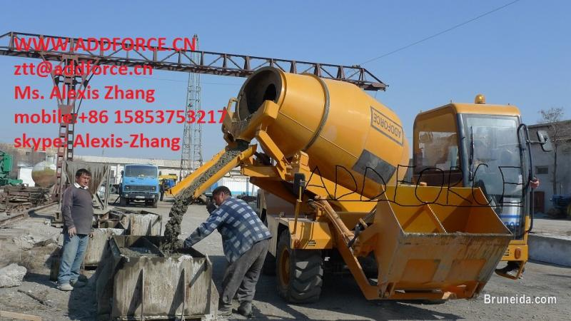 Picture of Sell mobile self loading concrete mixer truck in Brunei Muara