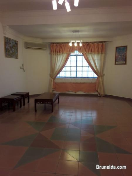 Large 2 Storey Detached House for Sale! - image 4