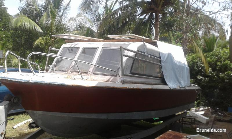 Picture of 1/2 cabin boat