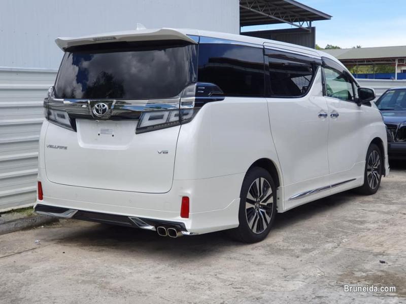 Picture of Toyota Vellfire 3. 5 ZG-Edition Modellista in Brunei Muara