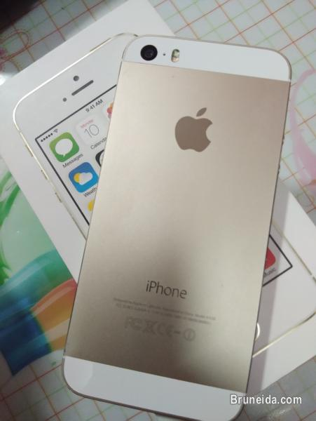 Picture of Iphone 5s 16gb GOLD for sale