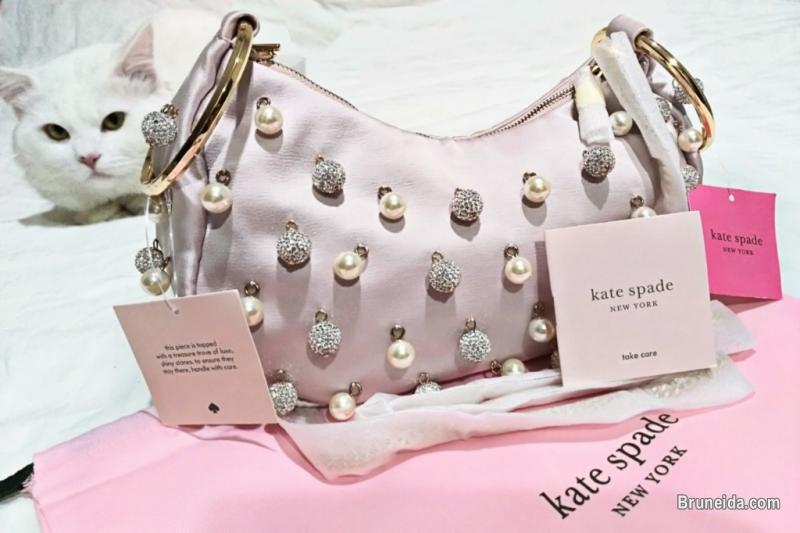 Picture of Kate Spade New York clutch