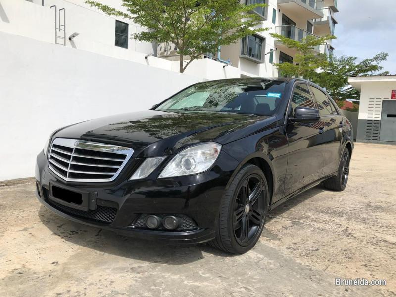 Pictures of Mercedes E300 V6