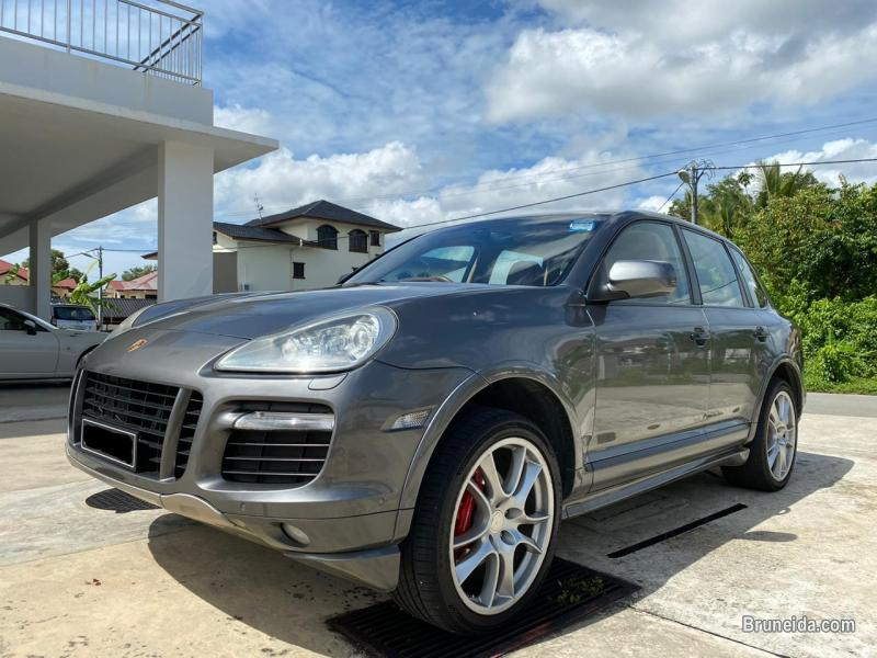 Picture of Porsche Cayenne GTS V8