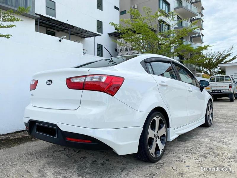Kia Rio 1. 4L EX (Sedan)