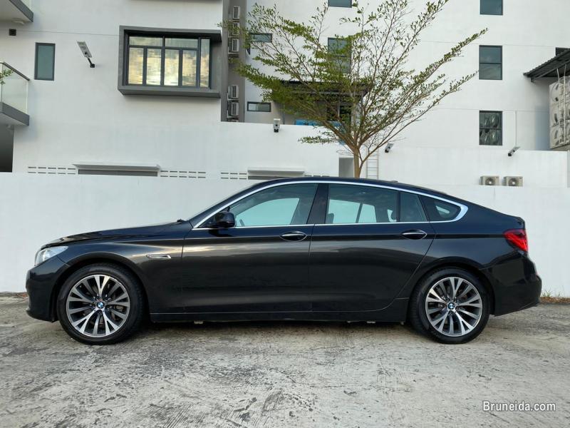 BMW 535 GT in Belait