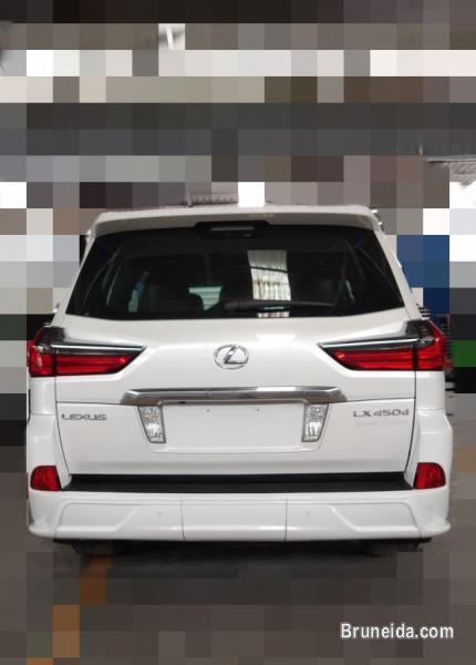 Lexus LX450d