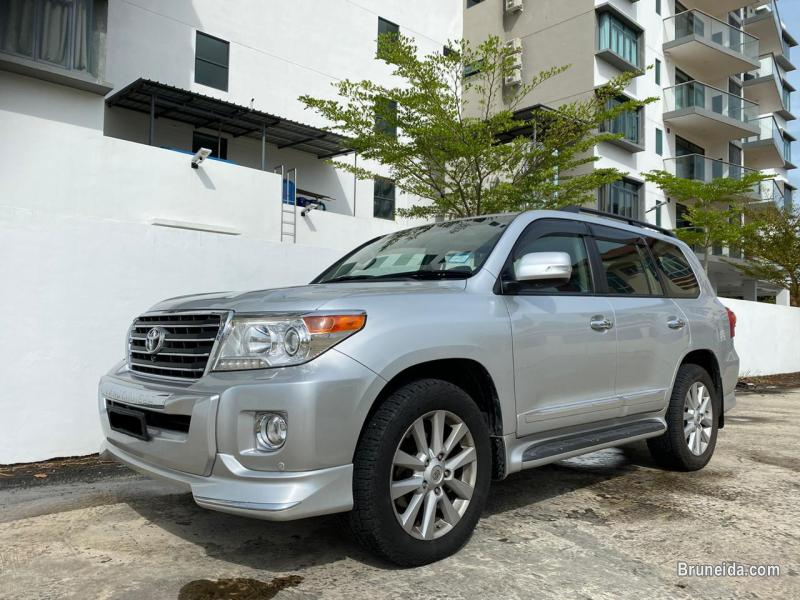 Pictures of Toyota Land Cruiser Turbo VX