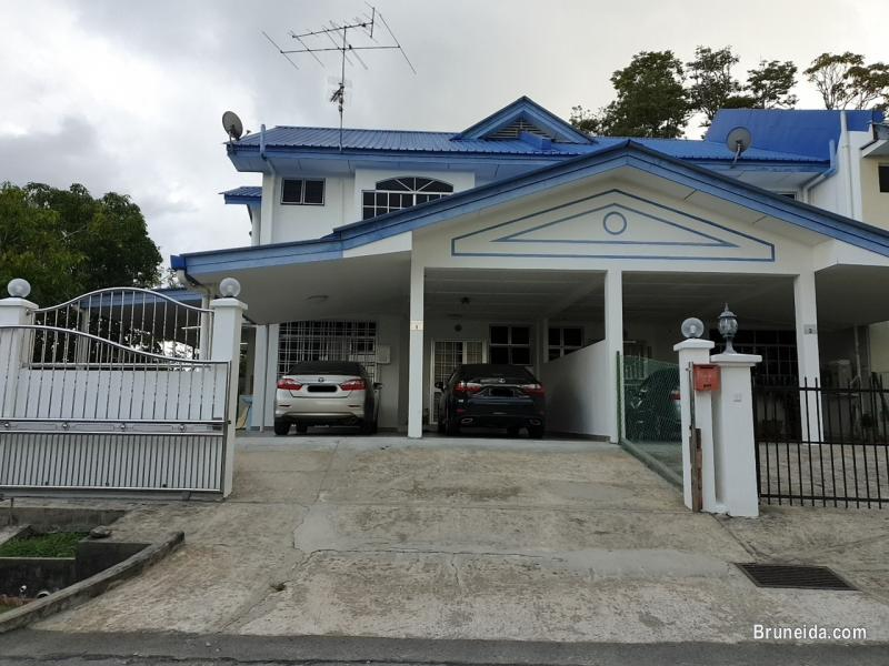 Pictures of Corner Terrace House in Subok For Sale