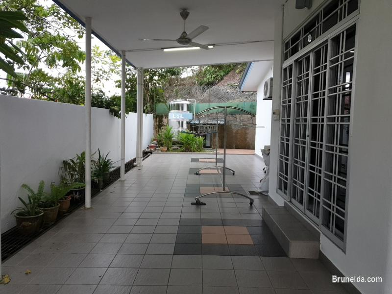 Corner Terrace House in Subok For Sale in Brunei Muara - image