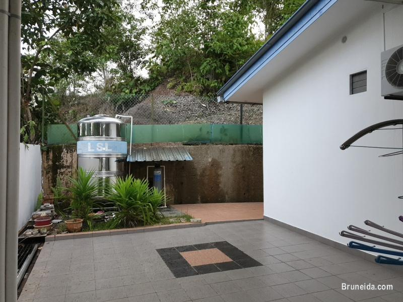Corner Terrace House in Subok For Sale in Brunei - image