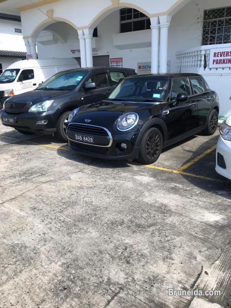 Picture of 2018 Mini One 5 doors, Black, twin turbo