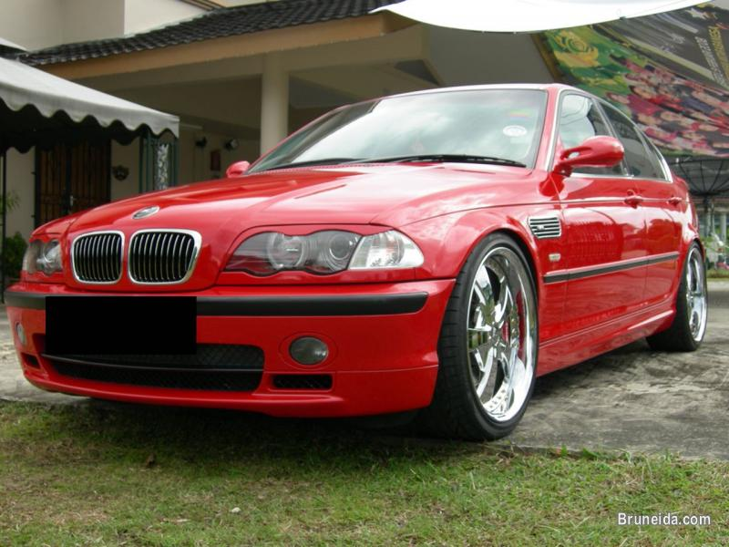 BMW 330i E46 in Brunei Muara - image