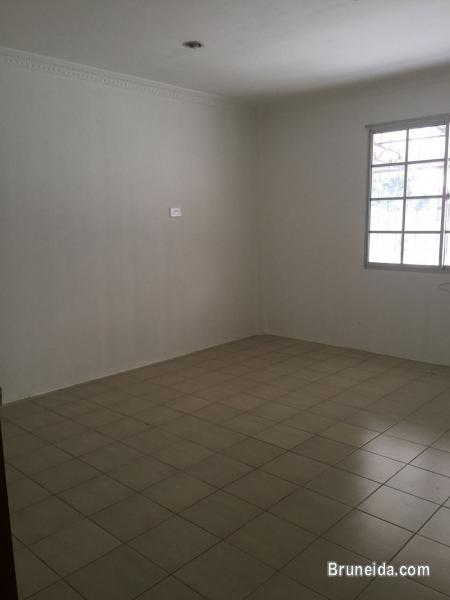 BUNGALOW HOUSE FOR RENT AT MANGGIS DUA (NEAR HUA HO AND SERUSOP) in Brunei
