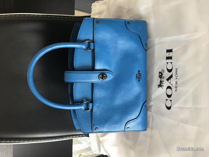 Pictures of Authentic COACH Handbag