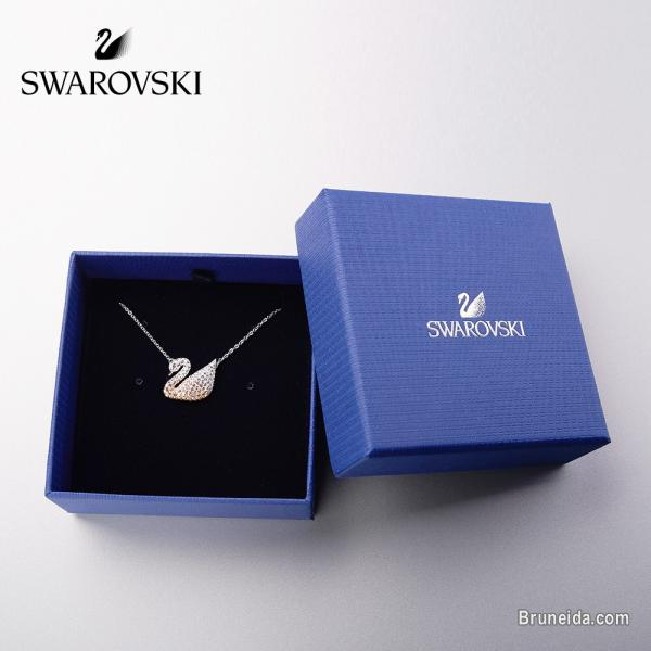 Pictures of SWAROVSKI NECKLACE