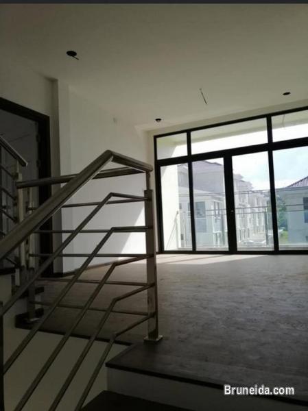 Brand New 3 Storey Semi-Detached in Brunei - image