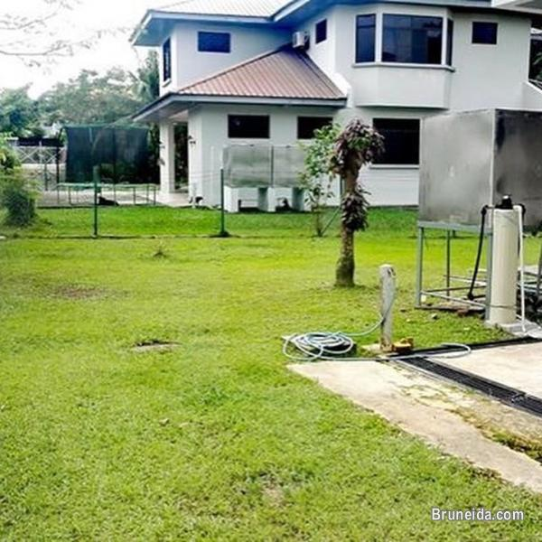 NEWLY RENOVATED DETACHED HOUSE FOR RENT in Brunei Muara