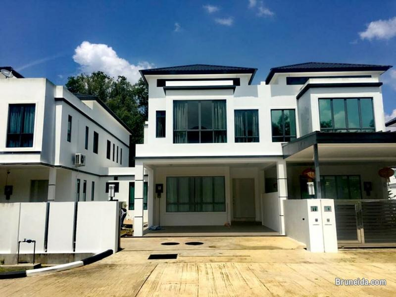 Picture of Modern Design Double storey Linked Semi-Detached for rent