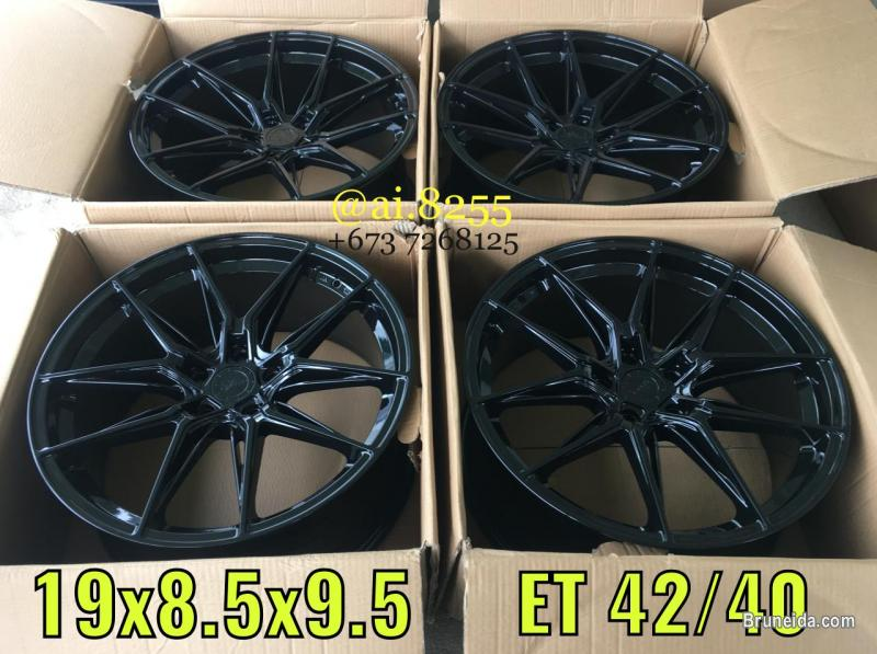 Pictures of NEW RIM FOR SALE !