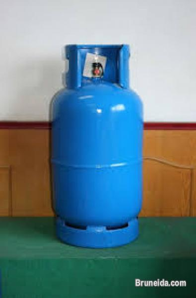 Picture of Gas cylinder with regulator