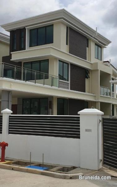 Newly completed 3-storey semi-detached house for rent in Brunei Muara