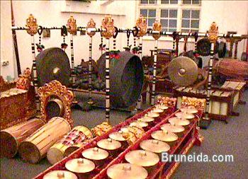 Picture of GAMELAN MUSICAL INSTRUMENTS