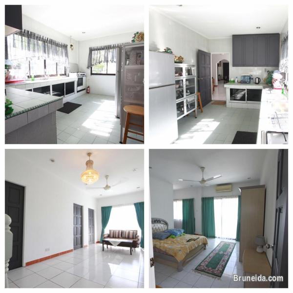 UHFS-112  USED DETACHED HOUSE FOR SALE @ SALAMBIGAR in Brunei Muara