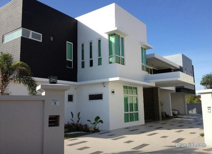 Picture of UHFS-79  DETACHED HOUSE FOR SALE @ BABU RAJA