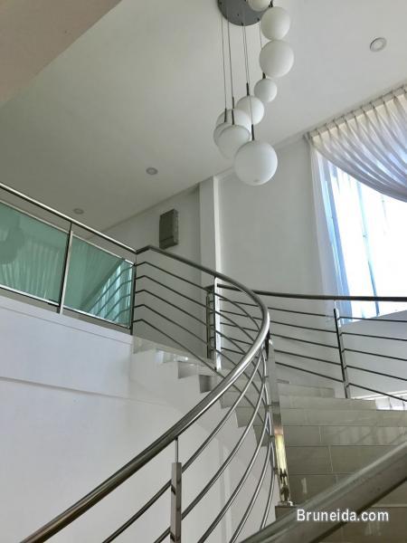 UHFS-81  DETACHED HOUSE FOR SALE @ KG LUMAPAS in Brunei