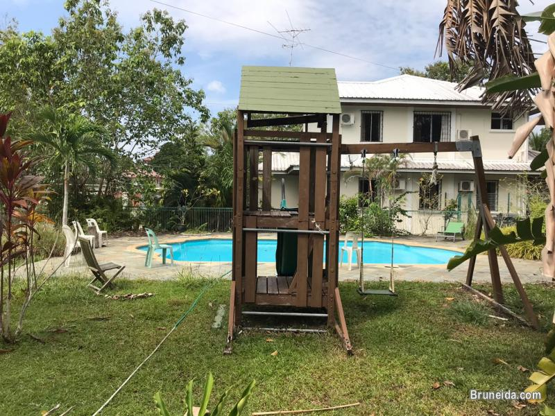 HFR-236  DETACHED HOUSES FOR RENT @ JALAN MUARA