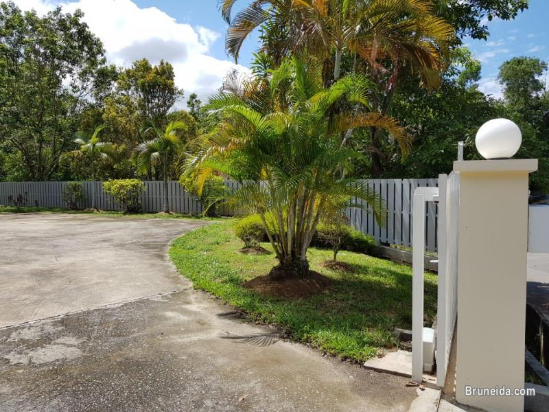 UHFS-99  USED DETACHED HOUSE FOR SALE @ KG SALAR in Brunei