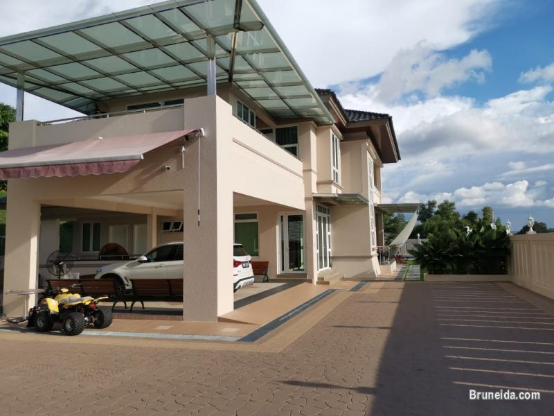 Picture of UHFS-107   EXECUTIVE DETACHED HOUSE FOR SALE @ JLN TUNGKU