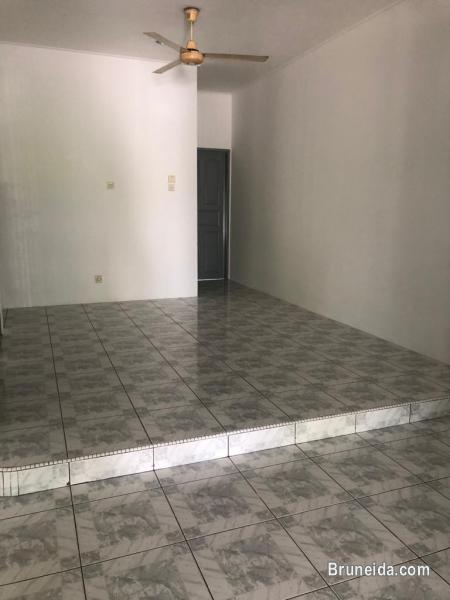 UHFS-108  USED 2 1/2 STOREY TERRACE HOUSE FOR SALE @ BAN 2A in Brunei