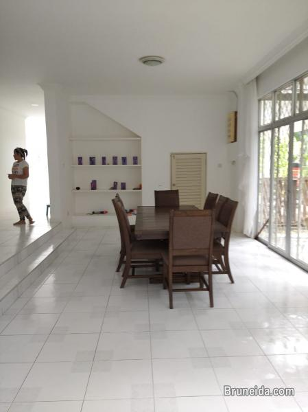 UHFS-111  USED DETACHED HOUSE FOR SALE @ KG KAPOK in Brunei Muara - image