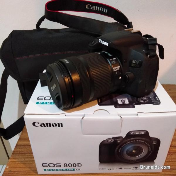 Canon EOS 800D with EFS 18mm-135mm lens (Rebel T7i) only $1, 100 in Brunei