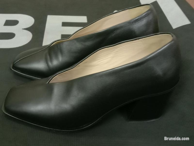 Picture of Ladies Fashion Shoes