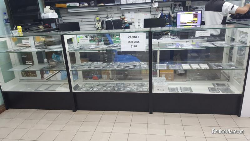 Picture of Used Accessories ShowCase/ Cabinet/ Aircon For SALE!!