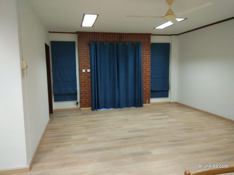 Picture of Unit For Rent - 3 Bedroom/2 Toilet