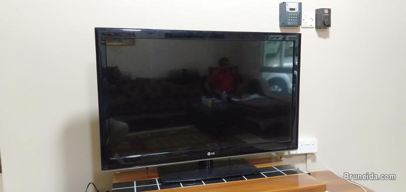 Picture of LG LED TV 43 '' for sale - $300 (whatsapp only 8883104)