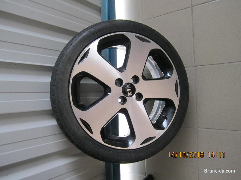 Pictures of OEM Kia Rio Rims with tyres For Sale