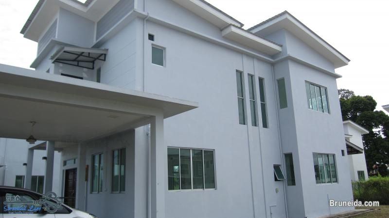 2-storey Detached House FOR RENT