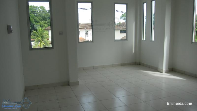 2-storey Detached House FOR RENT - image 9