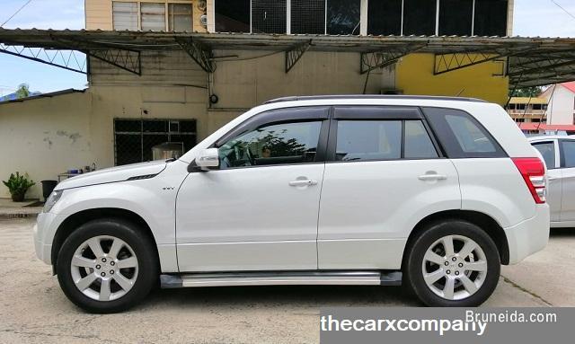 Suzuki Grand vitara 2. 4 auto 4wd model2012 (Brunei used)