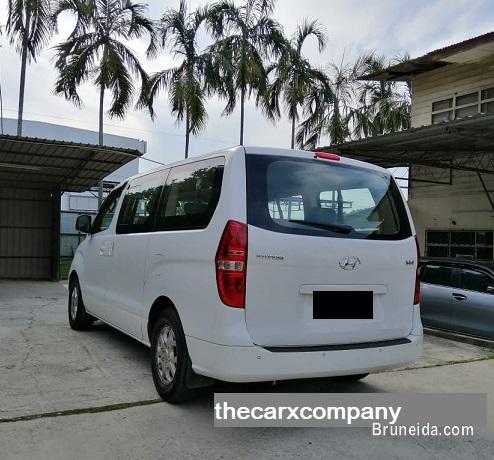 Price reduced! Hyundai H1 2. 5 auto Diesel model2013 in Brunei Muara