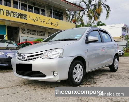 Pictures of Toyota Etios 1. 5 manual hatchback model2016