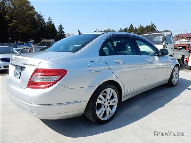 Picture of Mercedes-Benz C-Class 2009