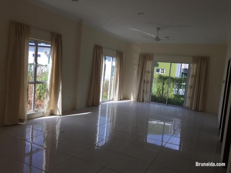 Comfy Home Real Estate - 2 storey corner terrace p/furnished