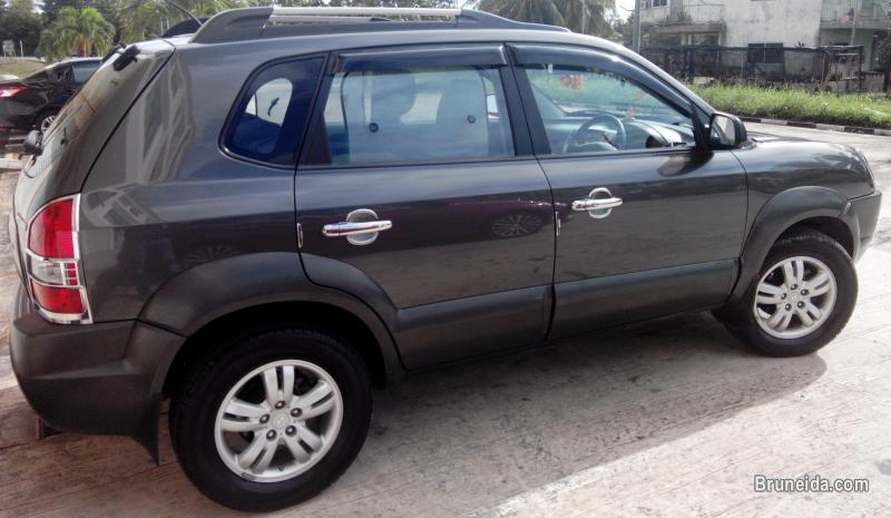 Pictures of Hyundai Tucsun for sale