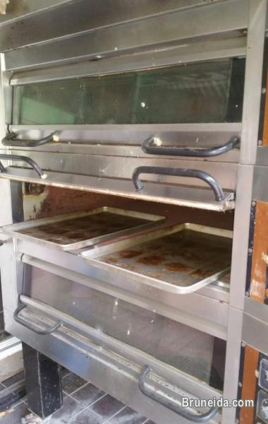 GLOBE 3 decker heavy duty commercial oven for sale